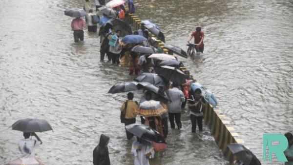 """Из-за циклона """"Фани"""" в Индии эвакуировали более миллиона человек"""