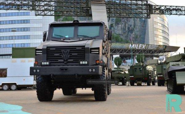 В Белоруссии представили бронированный грузовик «Защитник»