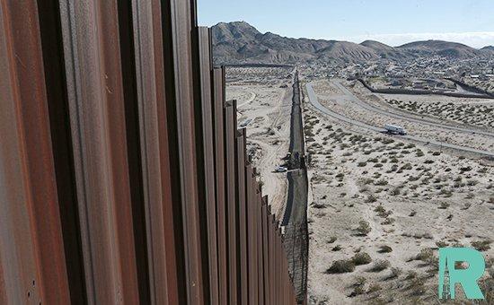 Суд США вынес запрет строить на границе с Мексикой стену