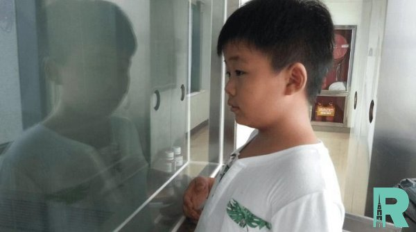 В Китае мальчик толстеет чтобы спасти жизнь отцу