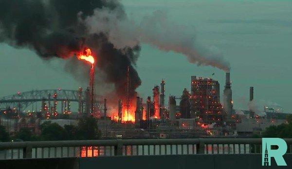 В США произошел взрыв на нефтеперерабатывающем заводе