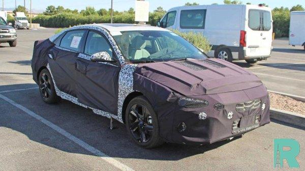 В Интернет попали фотографии обновленной Hyundai Elantra