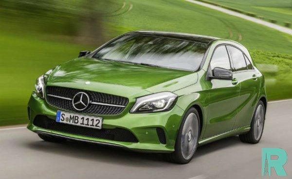 Mercedes-Benz продемонстрировал гибридные автомобили A250e и B250e