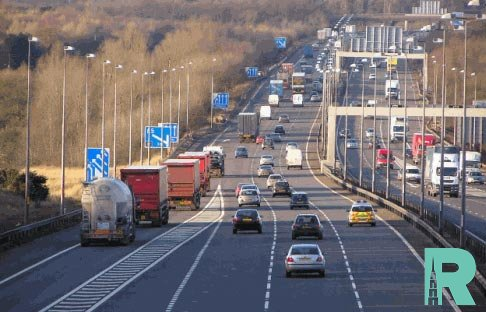 В России по платным дорогам электрокары будут ездить бесплатно