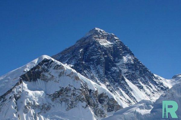 Непал и Китай проведут новое измерение высоты Эвереста