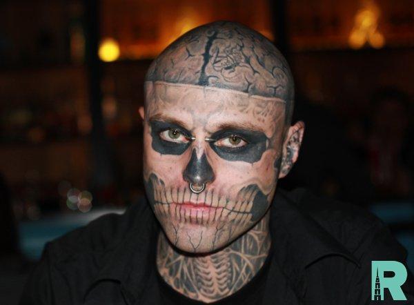 Озвучена причина из-за которой умер манекенщик Zombie Boy