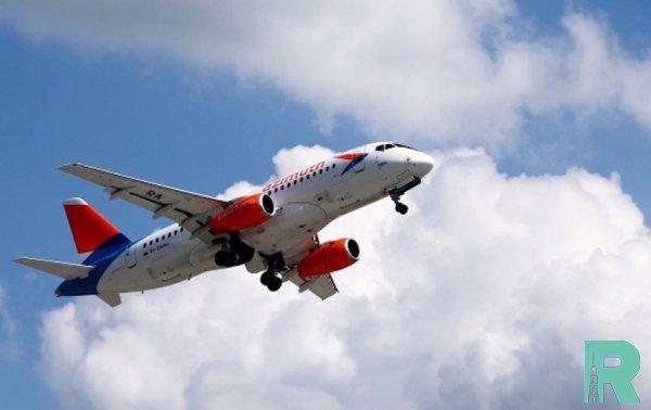 В Тюмени к экстренной посадке из-за отказа двигателя готовится SSJ-100