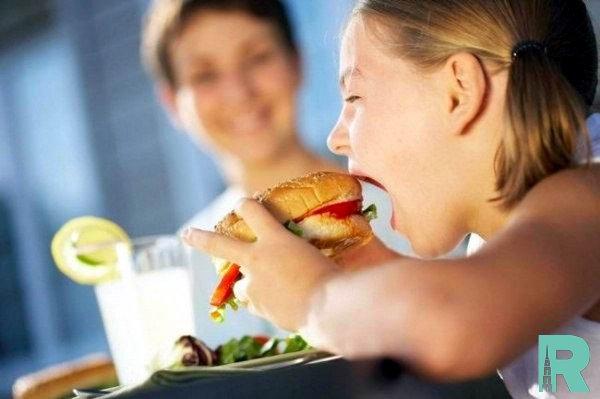 Учеными названы ингредиенты пищи вызывающие гипераппетит