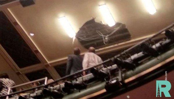 В Лондоне произошло обрушение потолка в театре Пикадилли