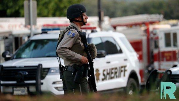 Из-за стрельбы в школе в Калифорнии пострадали шесть человека