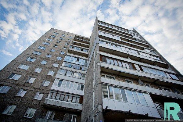 Во Владивостоке с восьмого этажа мать выбросила младенца
