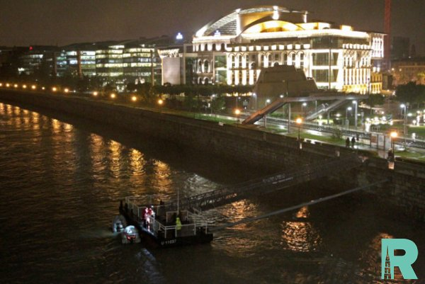 В Будапеште с тремя десятками людей затонуло прогулочное судно