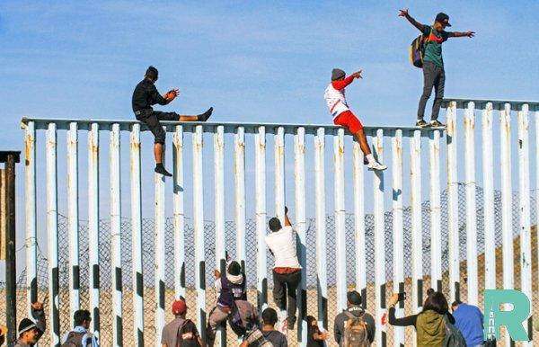 Из-за наплыва мигрантов Трамп вводит пошлины против Мексики