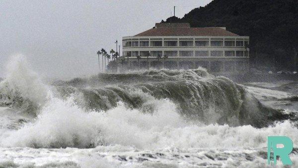 """Из-за тайфуна """"Кроса"""" в Японии готовятся эвакуировать 570 тысяч жителей"""