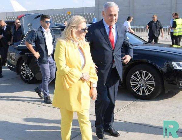 Жена Нетаньяху в Киеве бросила на землю приветственный каравай (видео)