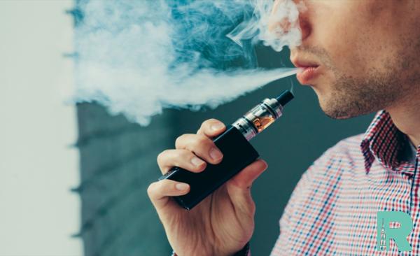 Неизвестную болезнь легких нашли у курильщиков электронных сигарет и вейпов