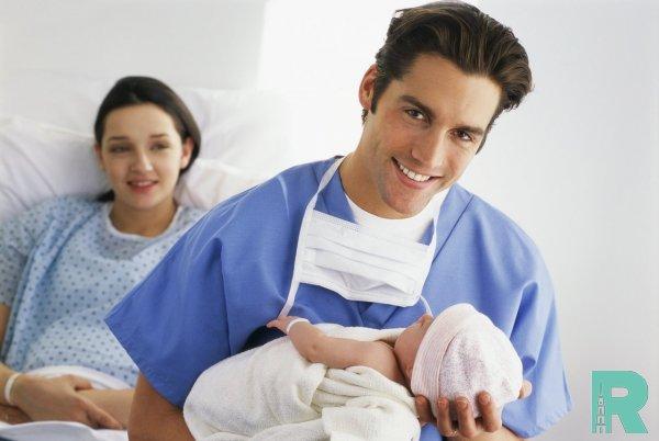 В Швейцарии 14 дней отпуска получают папы после рождения ребенка