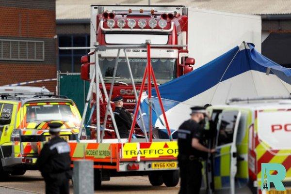 Британскими полицейскими задержаны два подозреваемых по делу о 39 трупах в Англии