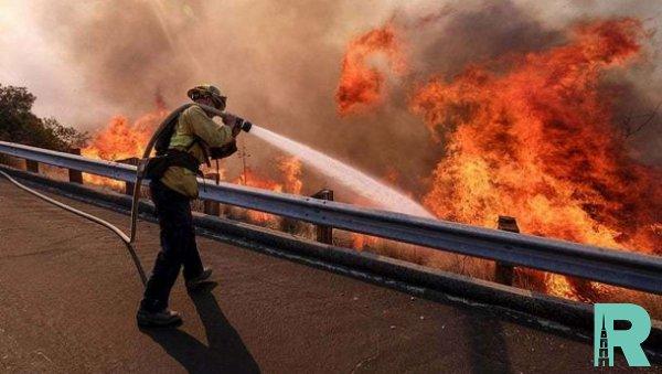 Из-за пожаров в Калифорнии эвакуируют более 50 тысяч человек
